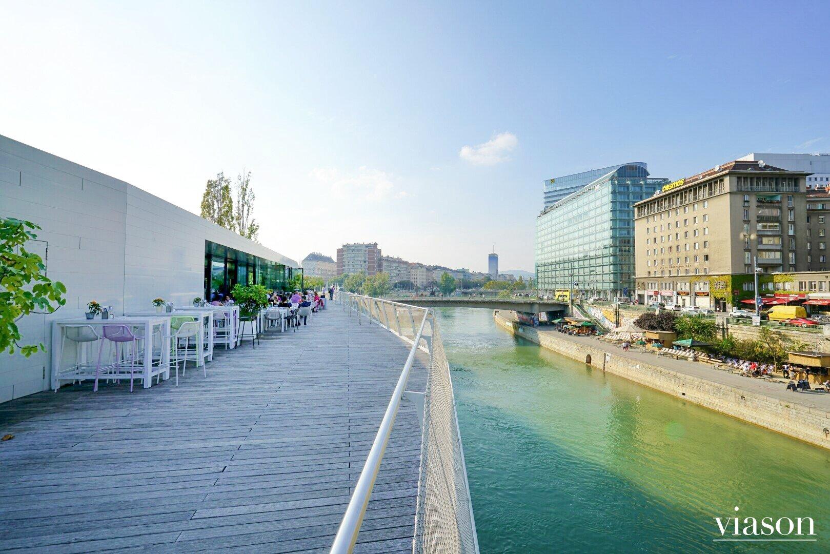 Motto am Fluss am Donaukanal