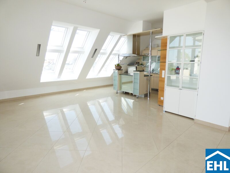 Exklusiver Dachgeschoß-Wohntraum mit Au-Pair-Garconniere
