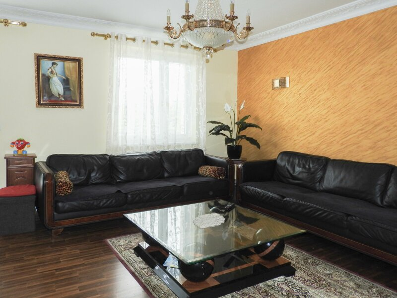 exclusively equipped flat with 4 bedrooms - furnished