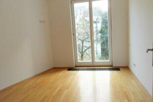 ZENTRALE LAGE : Singel Garconnaire: En-Zimmer (neu saniert) im 4en Liftstock mit Dachterrasse ***** neben der Karlskirche ab sofort zur Miete !
