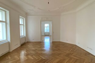 Prachtvolle voll renovierte Altbauwohnung mit Stuck / Attractive apartment in top location