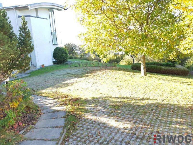 Die Stadt Graz liegt Ihnen zu Füßen - Villa in absoluter Traumlage mit rund 1.800 m² Bauland und Architektenstudie in 8045 Graz-Zösenberg /  / 8045Graz / Bild 9