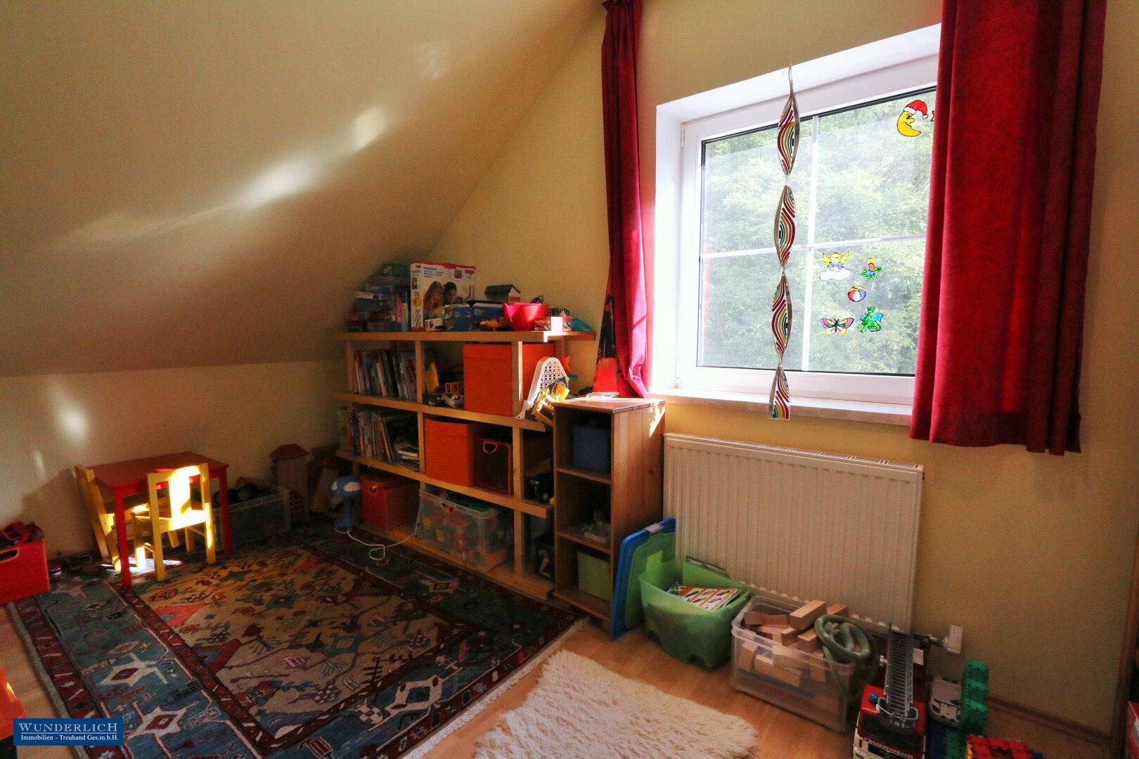 1. Kinderzimmer im Obergeschoß