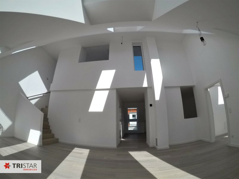 :::Penthouse zum Verlieben mit Terrasse und Lift bis in die Wohnung - Komplett saniertes Haus, ruhige Lage und erstklassige Ausstattung::: /  / 1170Wien / Bild 2
