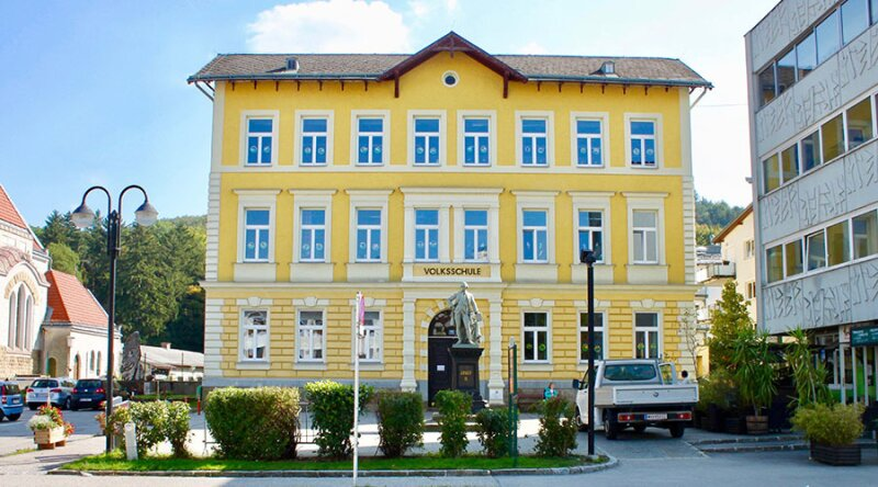 TERRASSENTRAUM - Elegante Doppelhaushälfte in Massivbauweise - schlüsselfertig - inklusive 2 Stellplätzen /  / 3021Pressbaum / Bild 9
