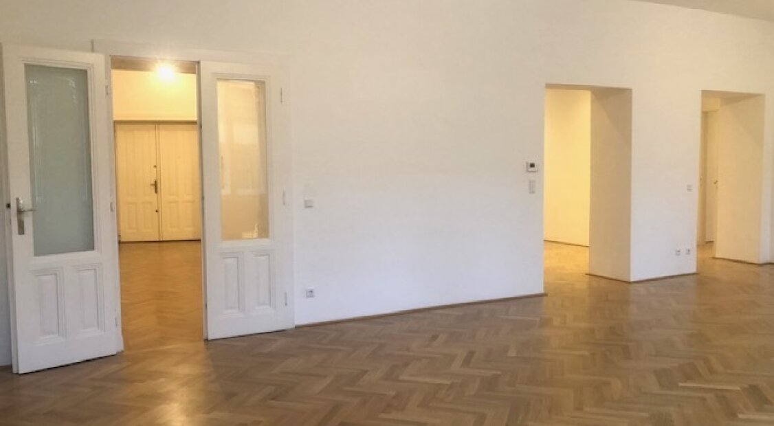 1070! Traumhafte 5-Zimmer Altbau-Wohnung! UNBEFRISTET