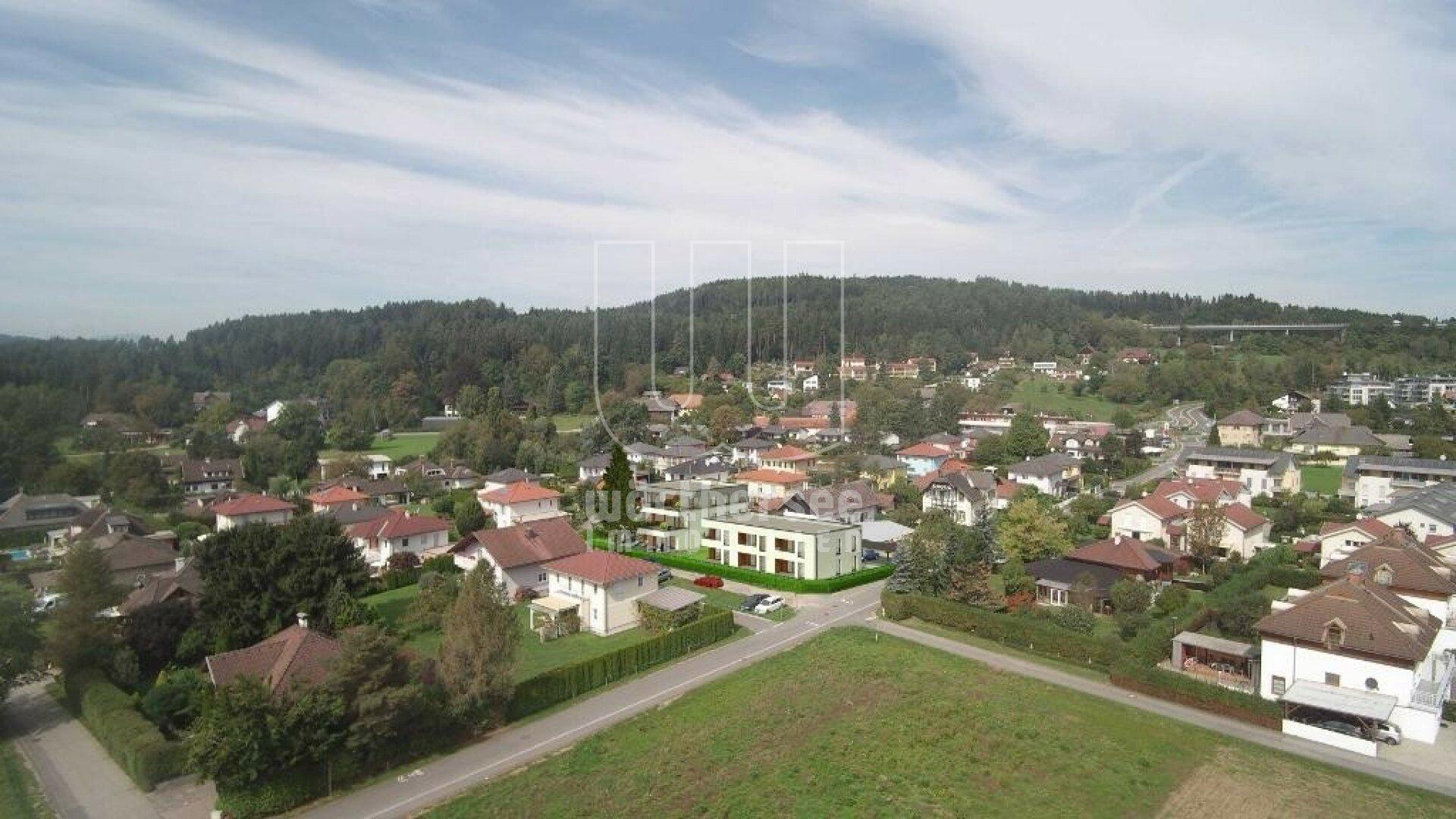 Montage- Luftbild mit Objekt ©plangrafik.com