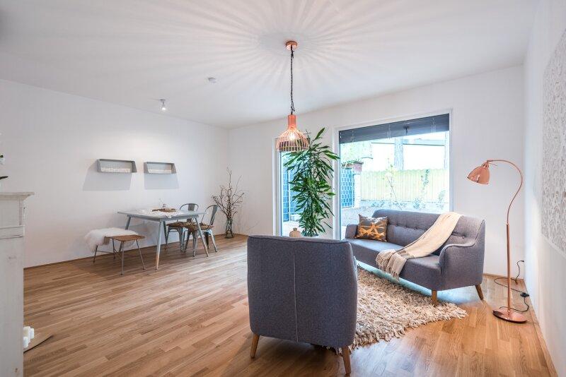 Vorgarten - Garten - Terrasse - 4 Schlafzimmer - 2 Badezimmer - 3 Balkone - Ein Traum zum Wohnen