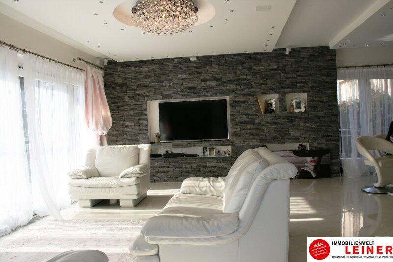 Wohnen De Luxe!! Nicht alltägliche Architektenvilla am Laaerberg! Objekt_7931
