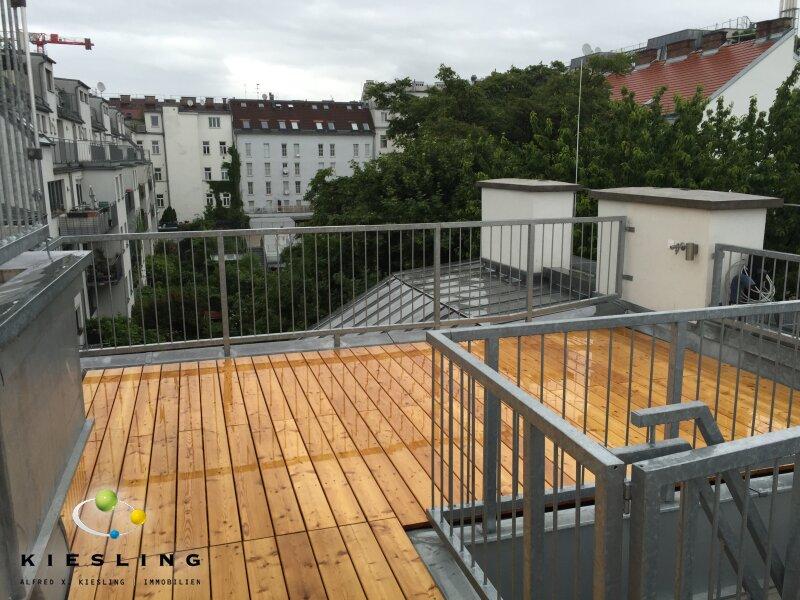 Dachgeschoss Neubau Erstbezug mit schöner Dachterrasse