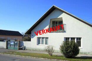 """Einfamilienhaus mit großem Nebengebäude. """" VERKAUFT"""""""