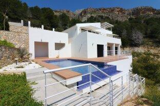 Neubau Villa mit herrlichem Meerblick in Altea