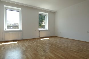 Neu renovierte 4- Zimmerwohnung Nähe Wasserwald mit unbefristeten Mietverhältnis!