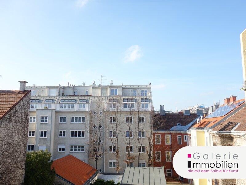 Sehr schöne, möblierte 5-Zimmer-Wohnung mit Loggia in begrünten Innenhof! Objekt_31328