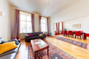 3,Große, komfortable Altbauwohnung – 4 Zimmer/ möbliert - in ruhiger, charmanter Lage. Fußnähe zur Innenstadt.