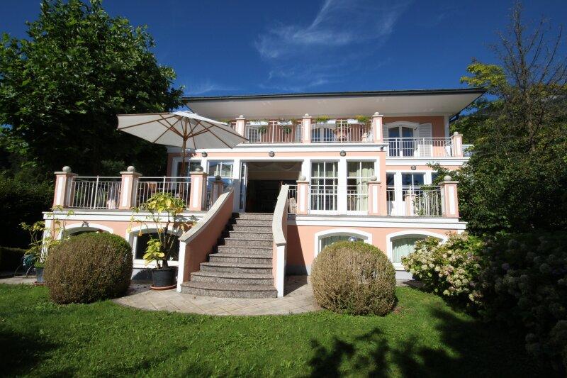 Parsch: Villa mit Aussicht