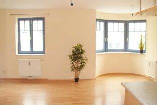 Schöne 3-Zimmerwohnung mit Balkon und Tiefgaragenplatz
