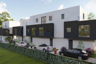 Provisionsfrei: Sonnige Doppelhaushälfte mit Dachterrasse und Garten