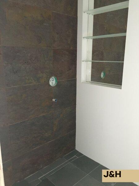 Luxuriöse, lichtdurchflutete DG-Wohnung, in Top-Lage /  / 1060Wien / Bild 2