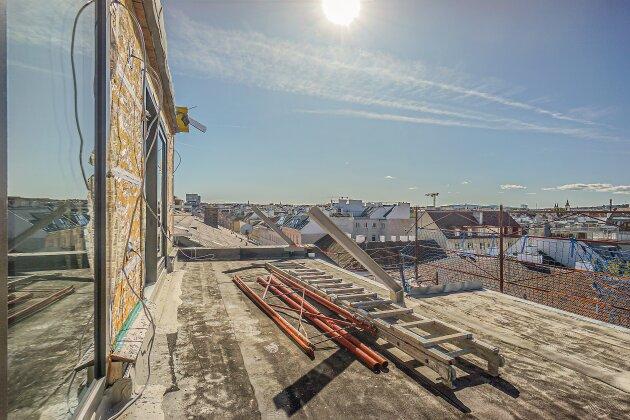 Foto von NEU! ++ RARITÄT ++  4 Zimmer Dachgeschoßwohnung in 1180 Wien ++ 2 Terrassen (OST-WEST) + Balkon mit Wien-Blick ++ Top-Revitalisierte Altbau-Haus ++