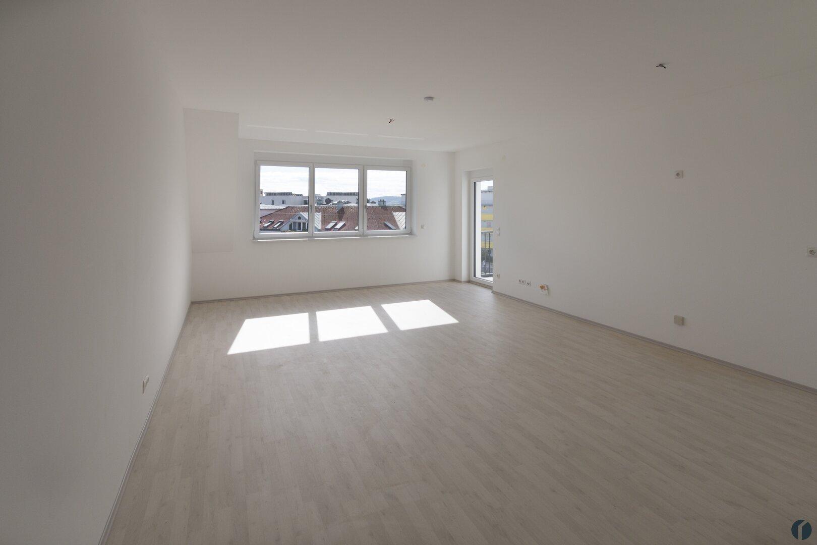 Wohnzimmer (zur Zeit der Aufnahme noch ohne Küche)