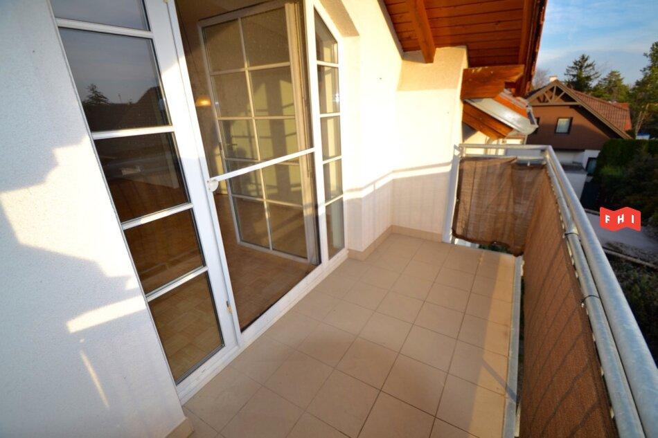Charmante 3 Zimmer Neubaumiete mit Balkon & Autoabstellplatz in Grünlage