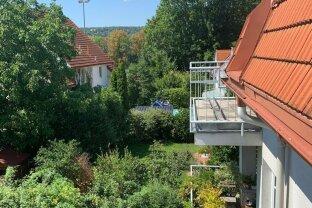Tolle Dachgeschoß-Wohnung mit Grünblick und Terrasse+Balkon Nähe Bahnhof