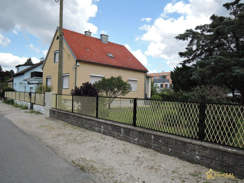 Baugrund mit Abrisshaus