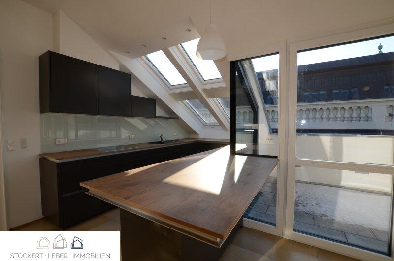 Traumhafte Dachgeschoßwohnung direkt bei der Staatsoper /  / 1010Wien / Bild 0