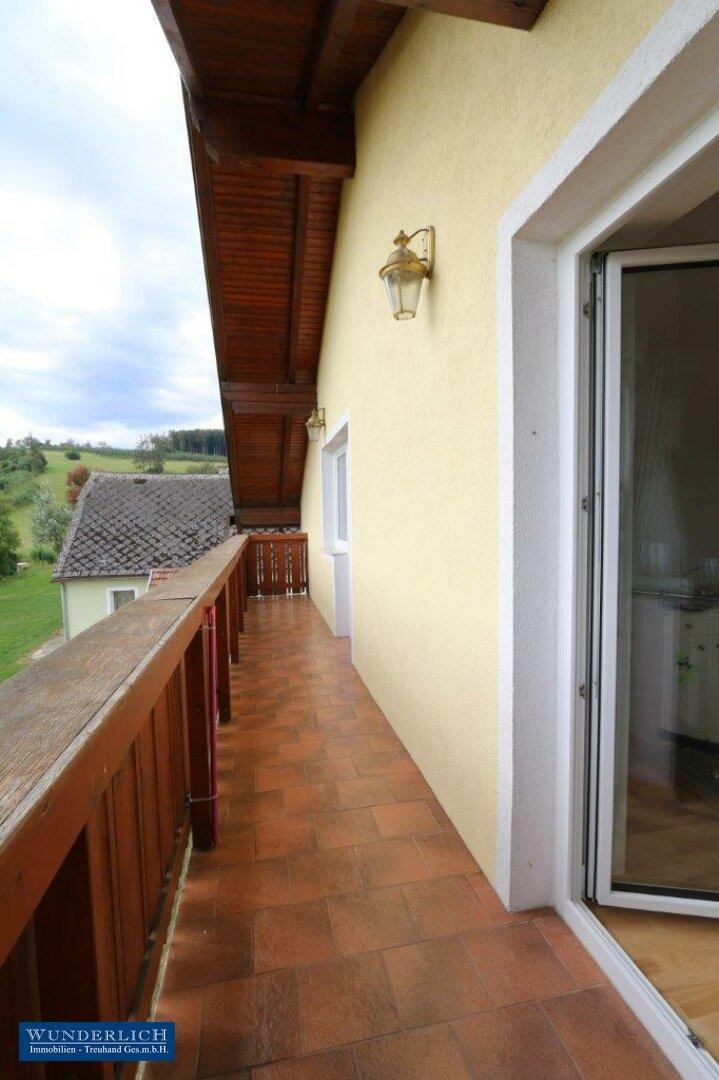 Balkon begehbar von der Wohnküche und vom Wohnzimmer