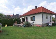NEUREAL - Einfamilienhaus mit Garage in ruhiger Lage