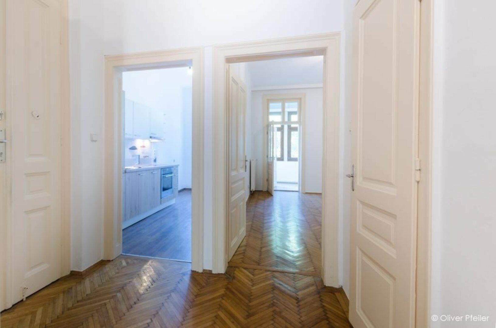 Vorraum Richtung Küche und Raum 3