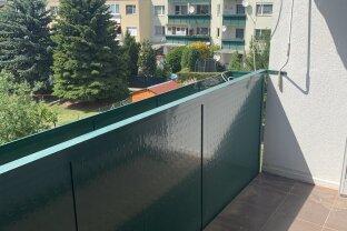 Helle und ruhige Neubauwohnung mit Loggia