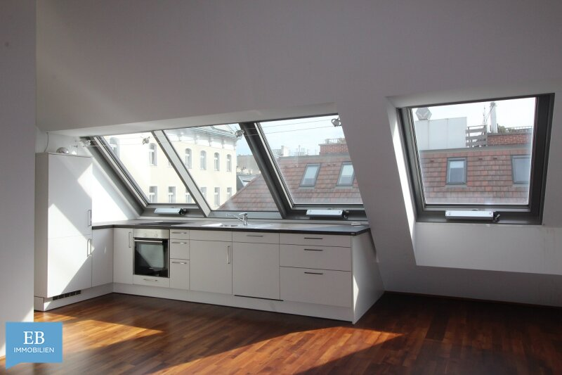 Lässiges Wohnen am Puls der Zeit - Dachgeschoss am Naschmarkt