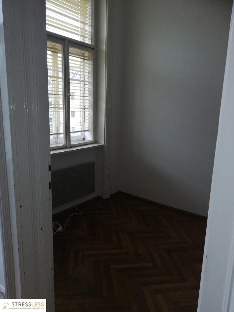 Zimmer 3 und 1 Fenster