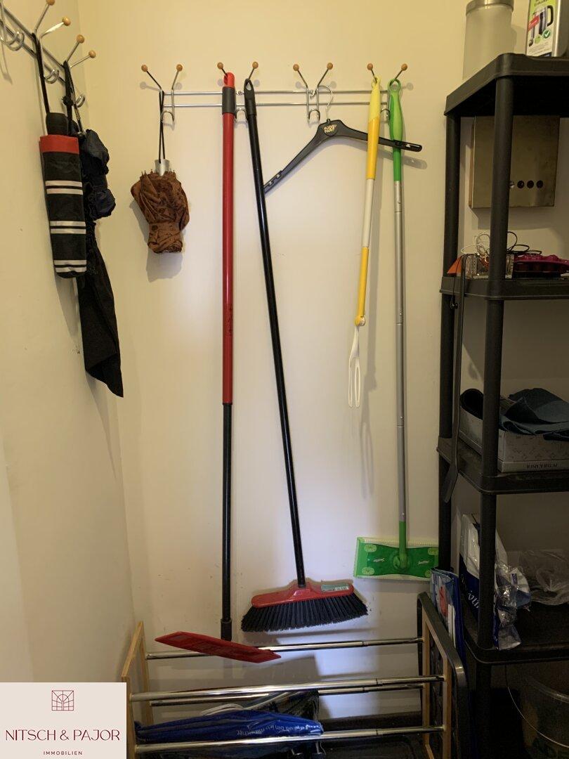 Abstellkammer/Garderobe
