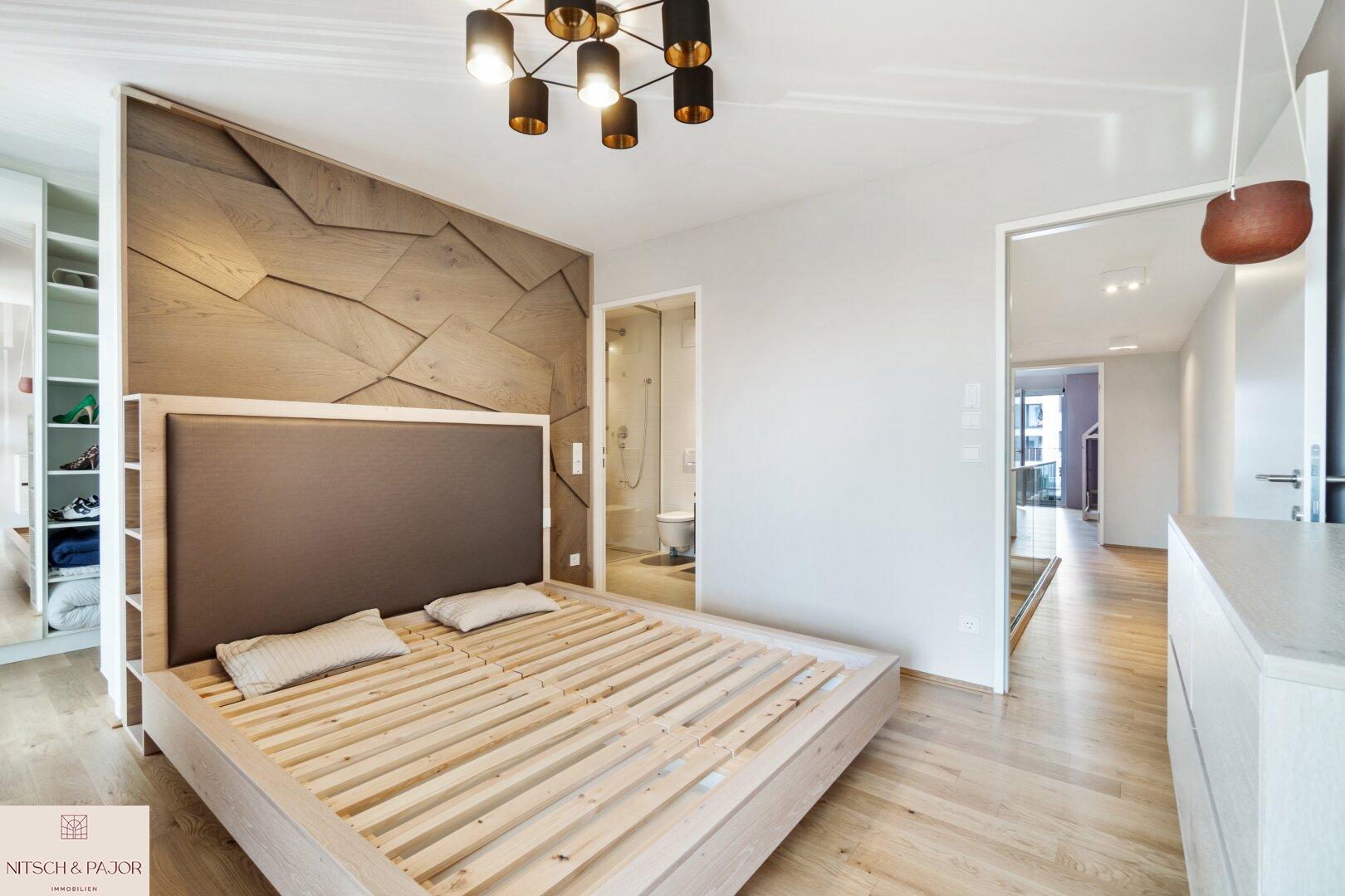1 Stock Schlafzimmer