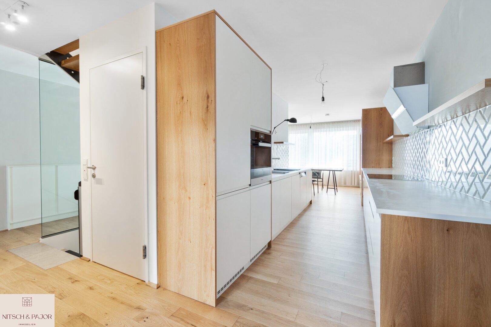 Küche Blick ins Esszimmer