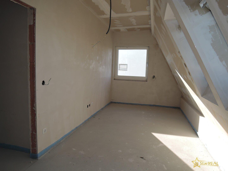 Dachgeschoss Zimmer2