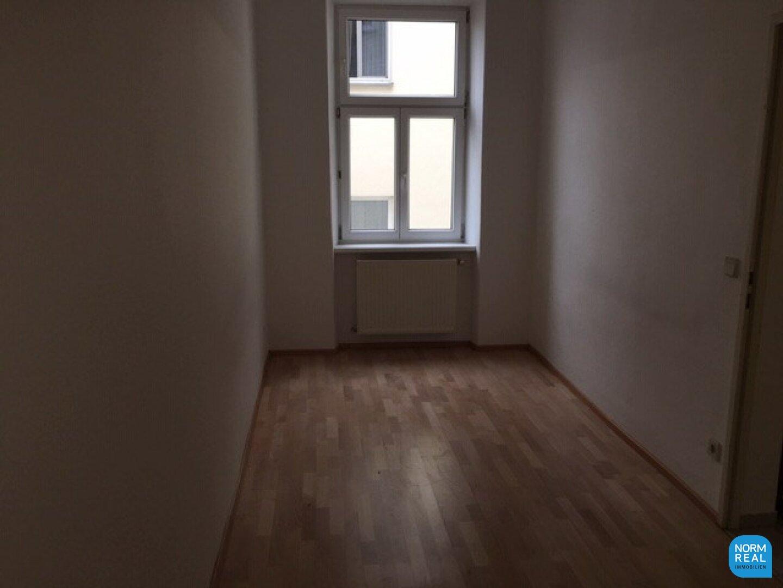 Zimmer 3 hofseitig