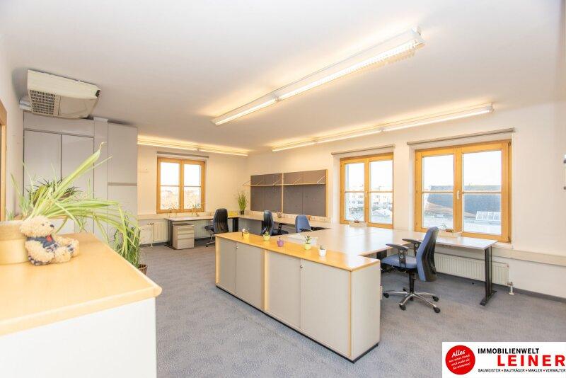 Flexibles Büro im Zentrum von Schwechat - 50,54m² - mit hochwertigen Büromöbeln ausgestattet - Parkplatz direkt vor der Haustür - GRANDIOS: Ohne Kündigungsfrist! Objekt_13281