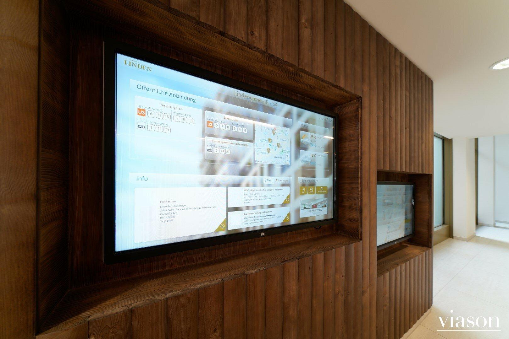 Screens im Foyer für Buchungen