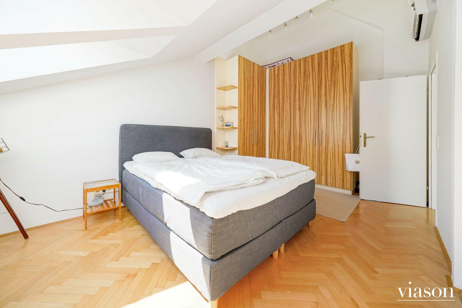 Große Schlafzimmer