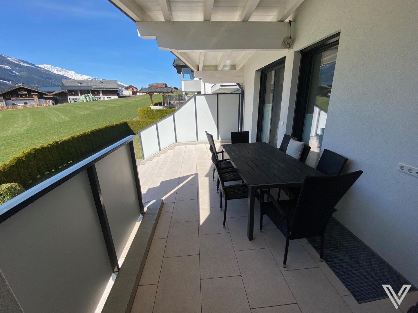 Zugang zur Terrasse vom Wohnraum
