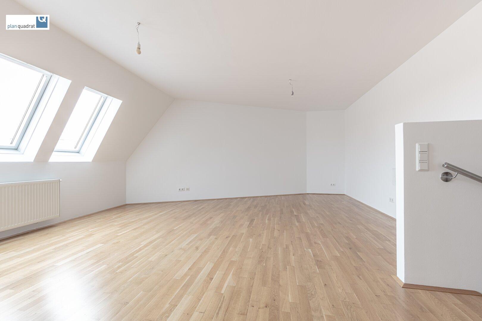 Wohn- / Esszimmer mit Küchenzeile (ca. 33,40 m²)