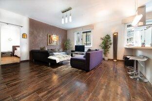 Großzügig angelegte 4 Zimmer Wohnung mit Balkon