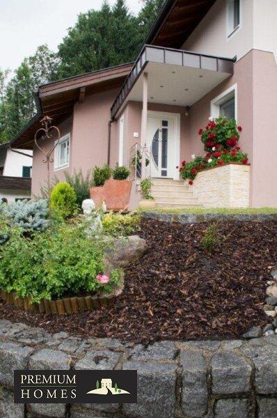 Kirchbichl Zweifamilienhaus_ verwirklichte Ideen der Gemütlichkeit_Eingang_Ansicht Süden