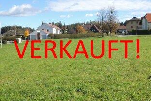 Sonniges, ebenes Grundstück mit Bergblick - zur WOHN- oder GESCHÄFTSBEBAUUNG geeignet