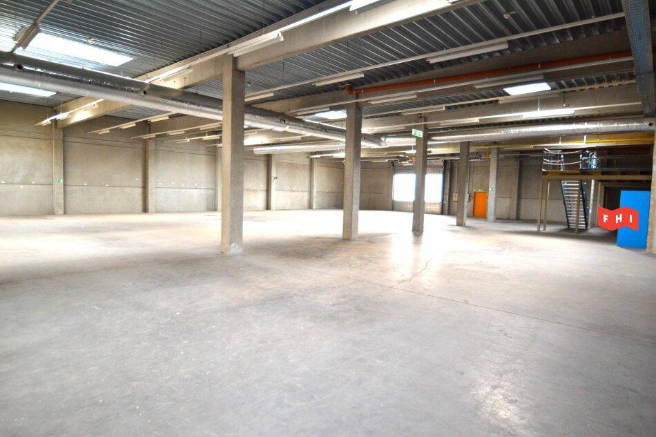 Beheizbare Betriebshalle inkl. Büro im Gewerbegebiet Inzersdorf Nähe VAMED