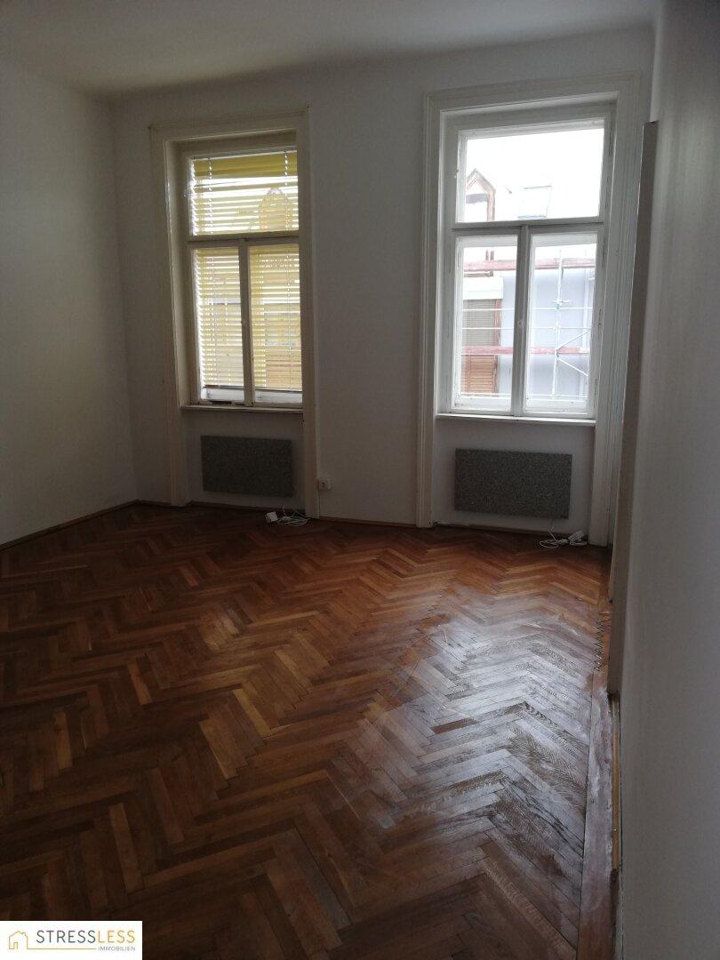 Zimmer 2 mit 2 Fenstern